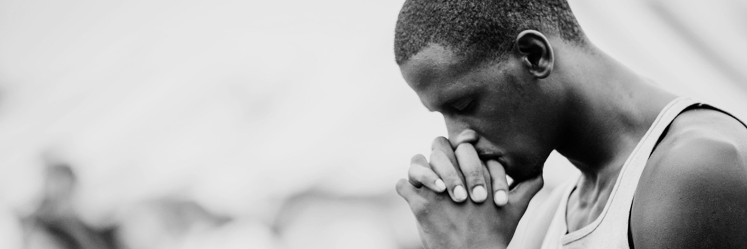 15504_man_praying-2560x853