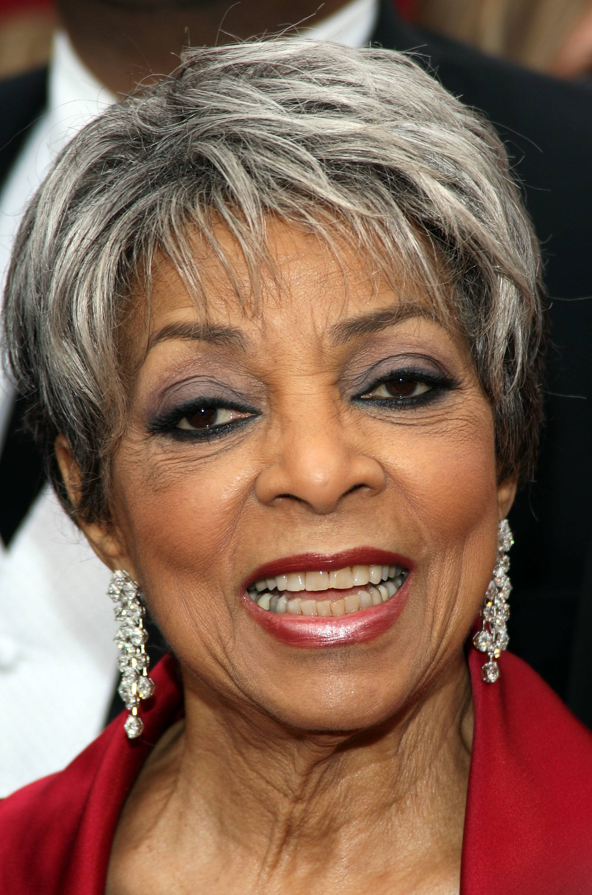 HOLLYWOOD - FEBRUARY 24:  Actress Ruby Dee arrives at the 80th Annual Academy Awards held at the Kodak Theatre on February 24, 2008 in Hollywood, California.  (Photo by Frederick M. Brown/Getty Images)
